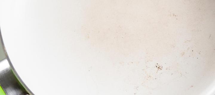 Keramikpfanne reinigen