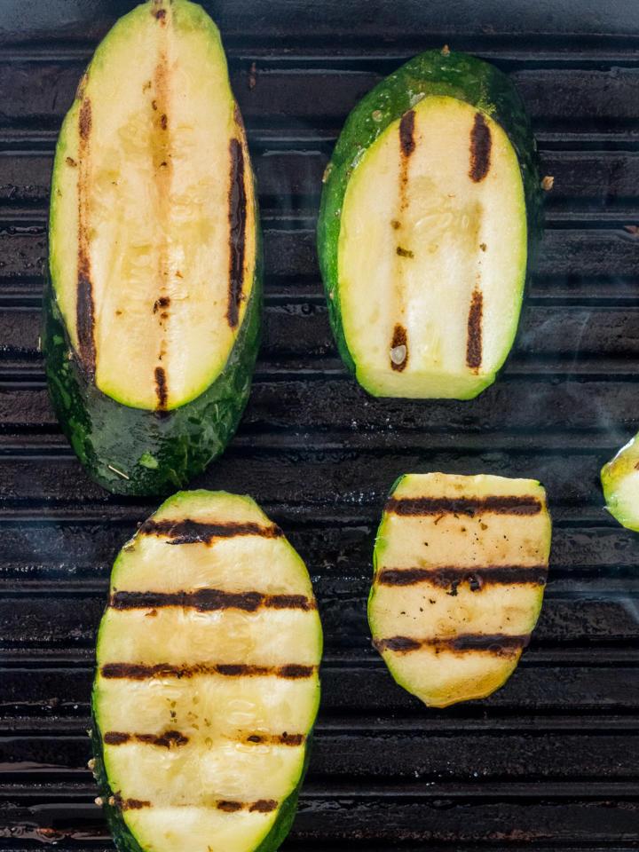 Le Creuset Grillpfanne: Zucchini Grillmuster