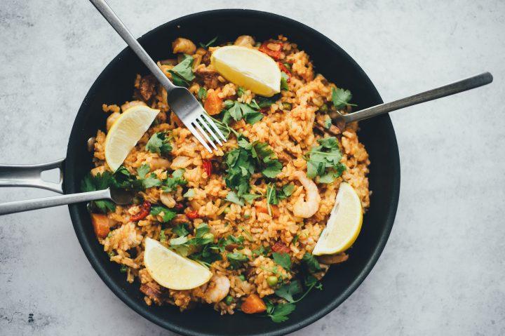 Wokpfanne mit Reis